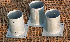 Base metálica para poste redondo