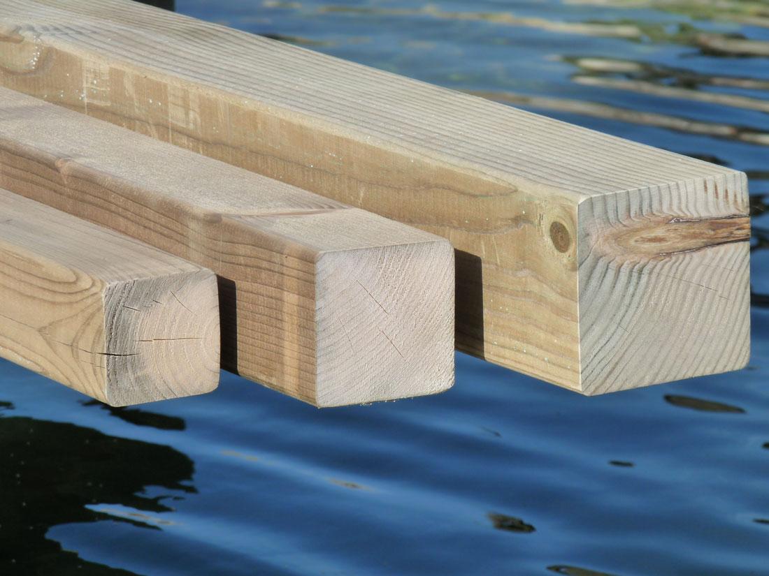 Postes cuadrados madering jard pond - Madera tratada exterior ...