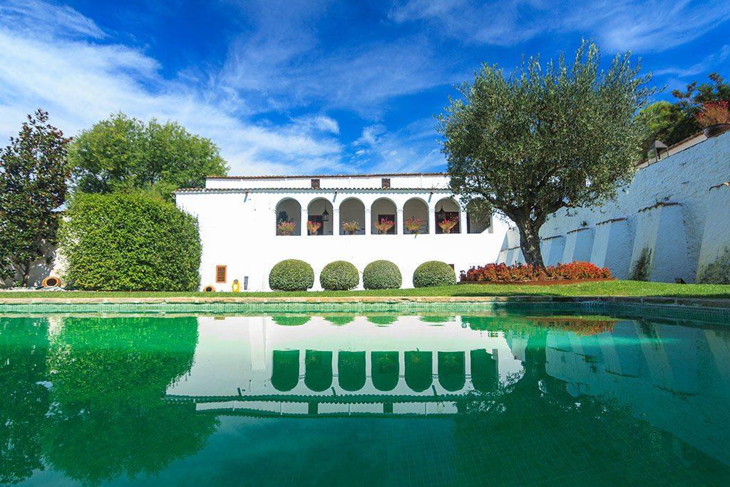 La piscina torello foto casa vicolo prevostura masi for Piscina de torello