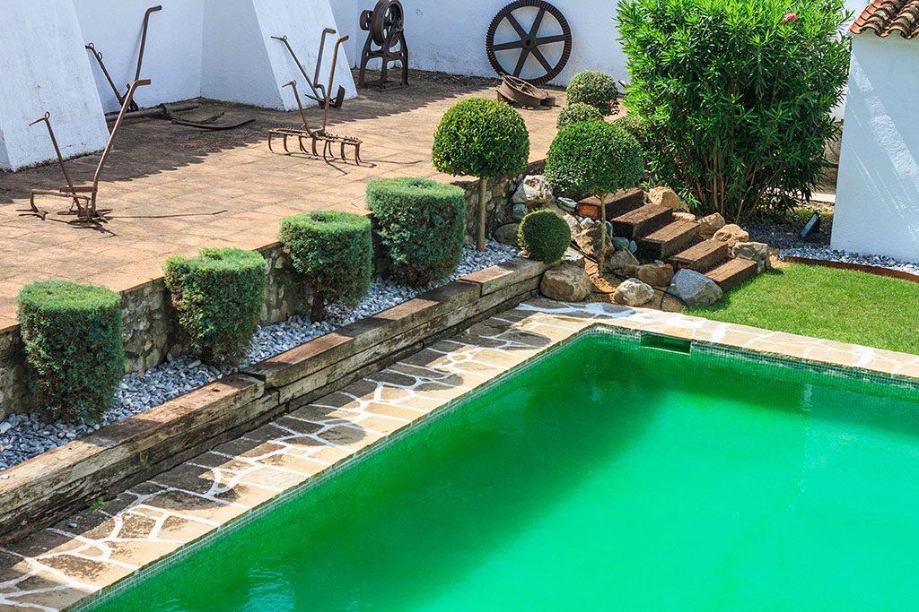 La piscina torello foto casa vicolo prevostura masi for Piscina torello